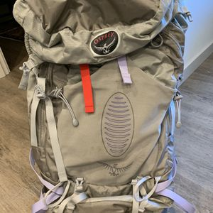 Osprey W. Aura 65 Backpack (medium) for Sale in Seattle, WA