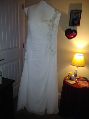 Size 16 Wedding Dress for Sale in Simpsonville, SC
