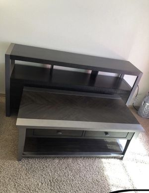 Coffee table & entertainment center LIKE NEW for Sale in Boring, OR