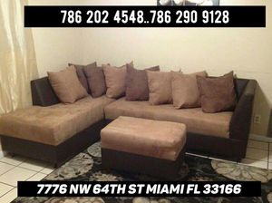 Beautiful sofa sectional for sale !!! for Sale in Doral, FL