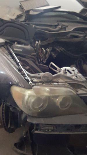 Parts: 750li BMW 2006, es300 lexus ES330 for Sale in Arlington, TX