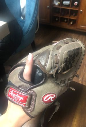 Rawlings softball glove for Sale in Bergenfield, NJ