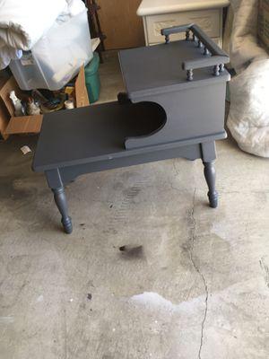Side table vintage f for Sale in La Mirada, CA