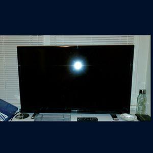 Insignia 40 Inch Led Tv for Sale in Everett, WA