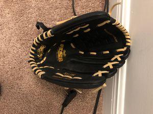 Baseball glove for Left hand for Sale in Homestead, FL