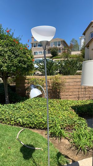 Floor lamp- silver for Sale in San Diego, CA