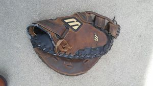 Muzino softball glove for Sale in Madera, CA