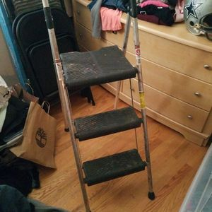 3 Foot Step Ladder for Sale in Jackson Township, NJ