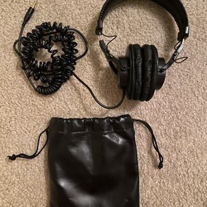 Sony MDR7506 Professional Headphones for Sale in Austin, TX