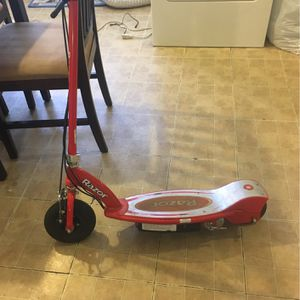 Electric Razor Scooter for Sale in Waterbury, CT
