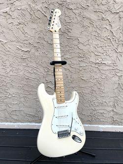 Fender Stratocaster Olympic White MIM 2014 for Sale in Marietta,  GA
