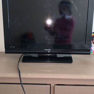 "Toshiba 26"" LCD TV for Sale in Mount Rainier, MD"
