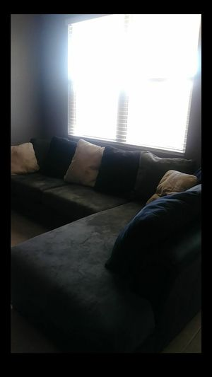 Couch sectional for Sale in Tolleson, AZ
