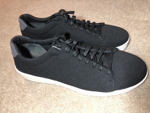New Rare Men's Vince Farrell Lace Up Sneaker $195 Size 13 for Sale in Hayward, CA