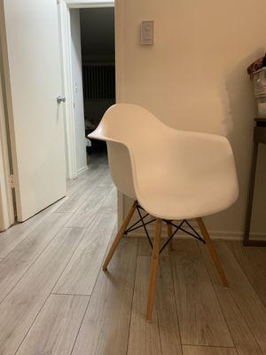 White desk chair for Sale in Santa Monica, CA