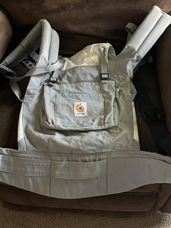 Ergobaby Carrier for Sale in Chesapeake,  VA