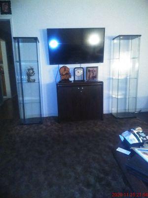 Two Tempered Glass Cases Empty. for Sale in Pico Rivera, CA