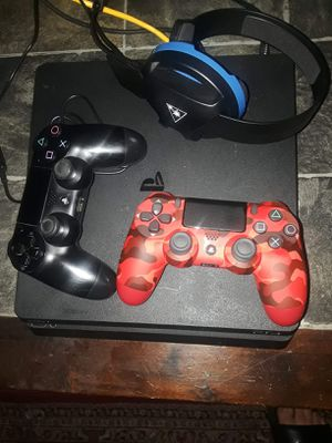 500 gb PS4 With 2 Controllers And 10 Games for Sale in Fresno, CA