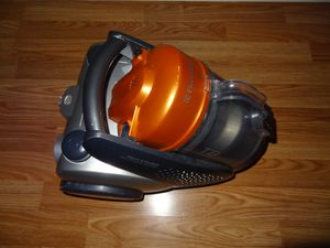 Electrolux access T8 canister vacuum cleaner model EL4071 for Sale in Chantilly, VA