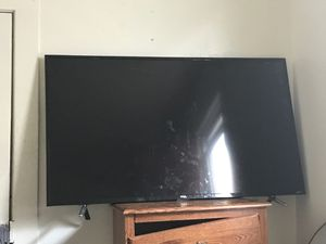 TCL ROKU TV *Read Description* for Sale in Cleveland, OH