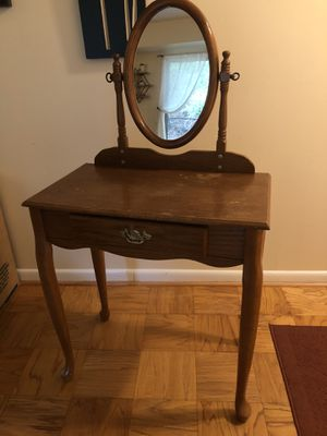 Vanity/Makeup Table and Stool for Sale in Bethesda, MD