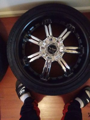 19 inch chrome & black rims for Sale in Cleveland, OH