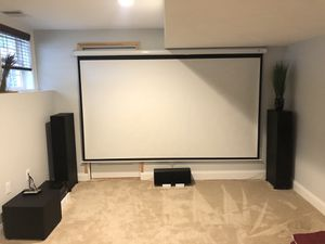 5.1 home theater with full HD projector, av receiver and 120 inch screen for Sale in Framingham, MA