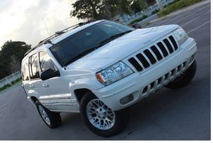 Low Miles 2004 Jeep Grand Cherokee AWDWheels for Sale in Oakland, CA