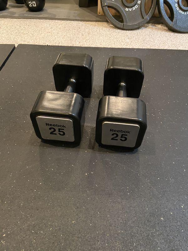Reebok set of 2 25 pound dumbbells
