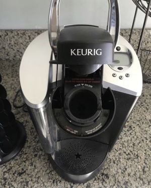 Keurig Coffee Maker with Stand for Sale in Los Angeles, CA