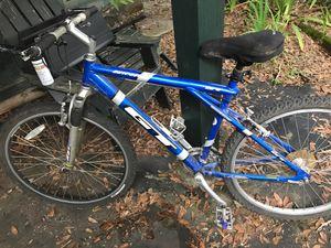 GT Outpost mountain bike for Sale in Lutz, FL