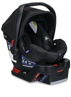 Britax B Safe 35 Car seat + two bases for Sale in Bonney Lake, WA