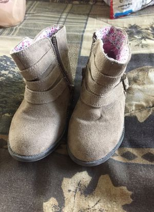 Girl boots size 6 for Sale in Land O Lakes, FL