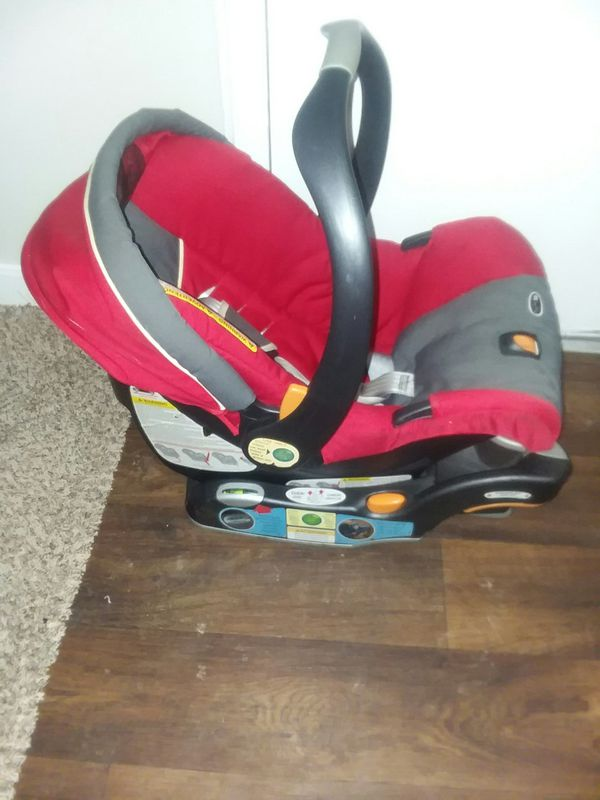 Chicco Keyfit30 infant car seat with base