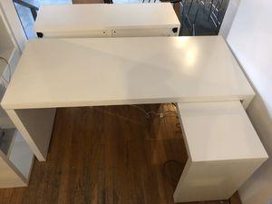 IKEA DESK - MALM for Sale in Seattle, WA