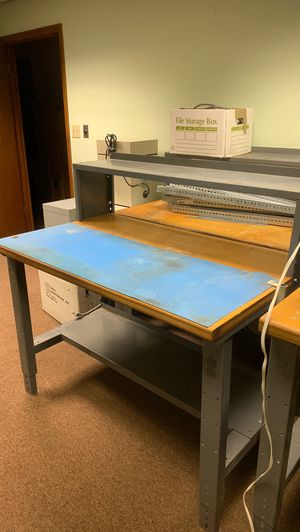 Commercial Grade Adjustable Industrial Work Station for Sale in Casselberry, FL