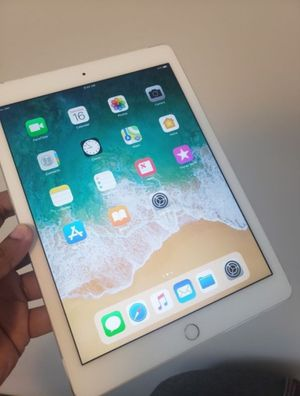 "iPad Air 16GB (9.7inch) (Wi-Fi ONLY Internet access) Usable with Wi-Fi ""as like nEW"" for Sale in Springfield, VA"