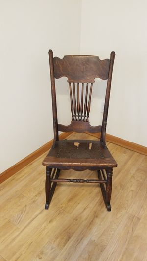 Antique rocking chair for Sale in Vancouver, WA
