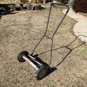 Craftsman Push Mower for Sale in La Crescenta-Montrose, CA