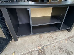 Tv stand $30 for Sale in Maple Heights, OH
