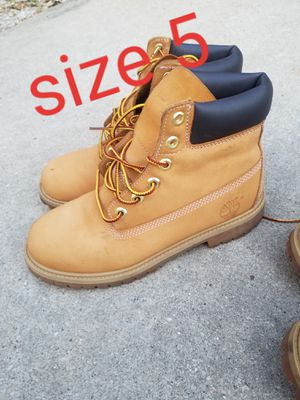 kids girls boys 6y 5.5y 5y timberland boots for Sale in Burbank, IL