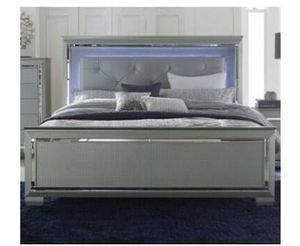 King size bed with led light for Sale in Orlando, FL