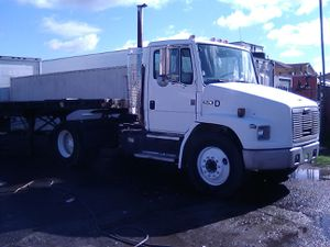 Freight liner for Sale in Sacramento, CA