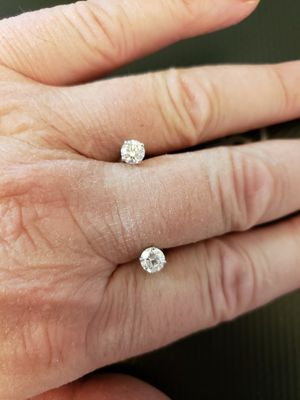 Stunning Diamond Stud Earing(s) for Sale in Sun City, AZ