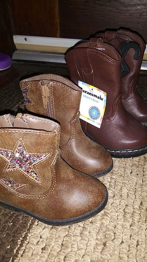 Size 4c girls boots for Sale in Blue Island, IL