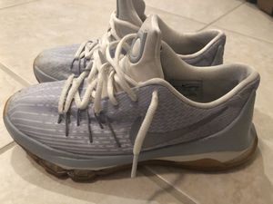 NIKE KD Athletic Shoes Wolf Grey/Metallic Silver/White US Size 6 EUC Youth for Sale in Gibsonton, FL