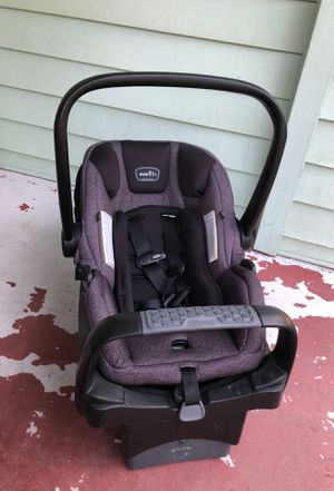 Evenflo baby car seat infant for Sale in Stockton, CA