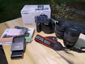 Canon 60D + 2 lenses for Sale in Bothell, WA