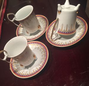 Very beautiful in antique $15 set 6 pieces for Sale in Pawtucket, RI