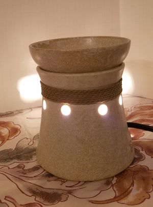 Scentsy mid size warmer for Sale in Ontario, CA
